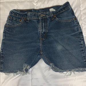 Levi shorts !!